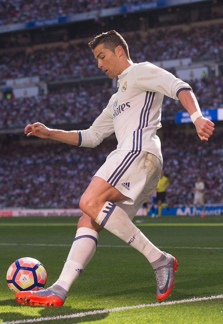 Cristiano Ronaldo (Real Madrid) Nike Mercurial Superfly CR7 ... 1aa04d1ba3bf7