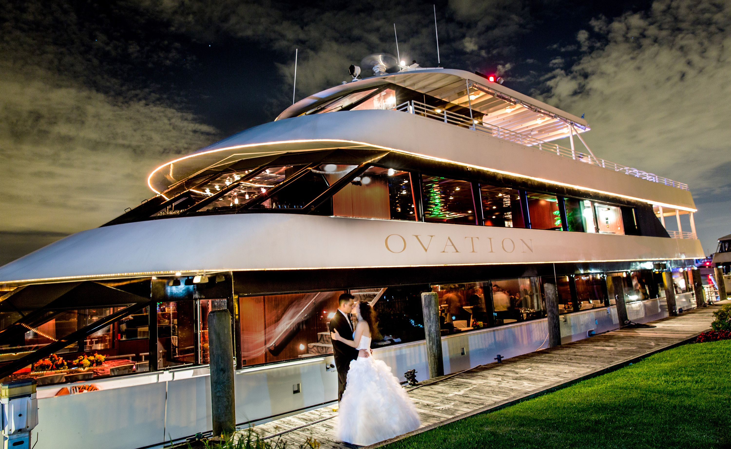 Infinity And Ovation Yacht Charters Provides One Of The Most Beautiful Unique Wedding Venues In