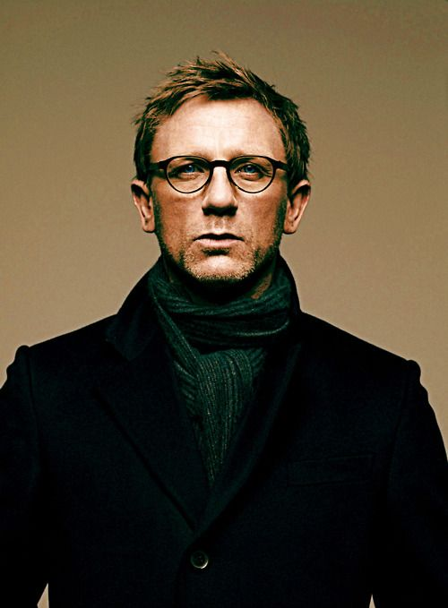 """Photo of Daniel Craig as """"Mikael Blomkvist"""" in """"The Girl with ..."""