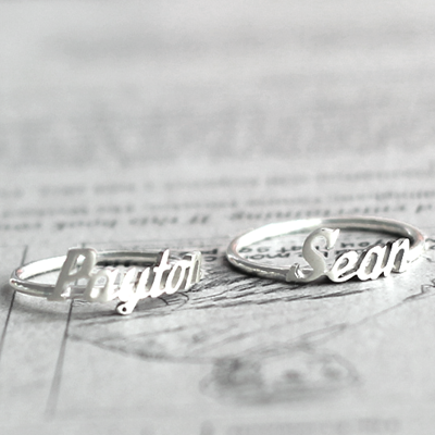 I WANT THESE SOOOOO BAD.... VALENTINES DAY?? Initial Monogram / Handwriting silver name ring - $30.00 : Silver Promo.... Would want my to either say his first... actually probably his last name now that I think of it. I think in a size 6 please :) HINT HINT BABE...