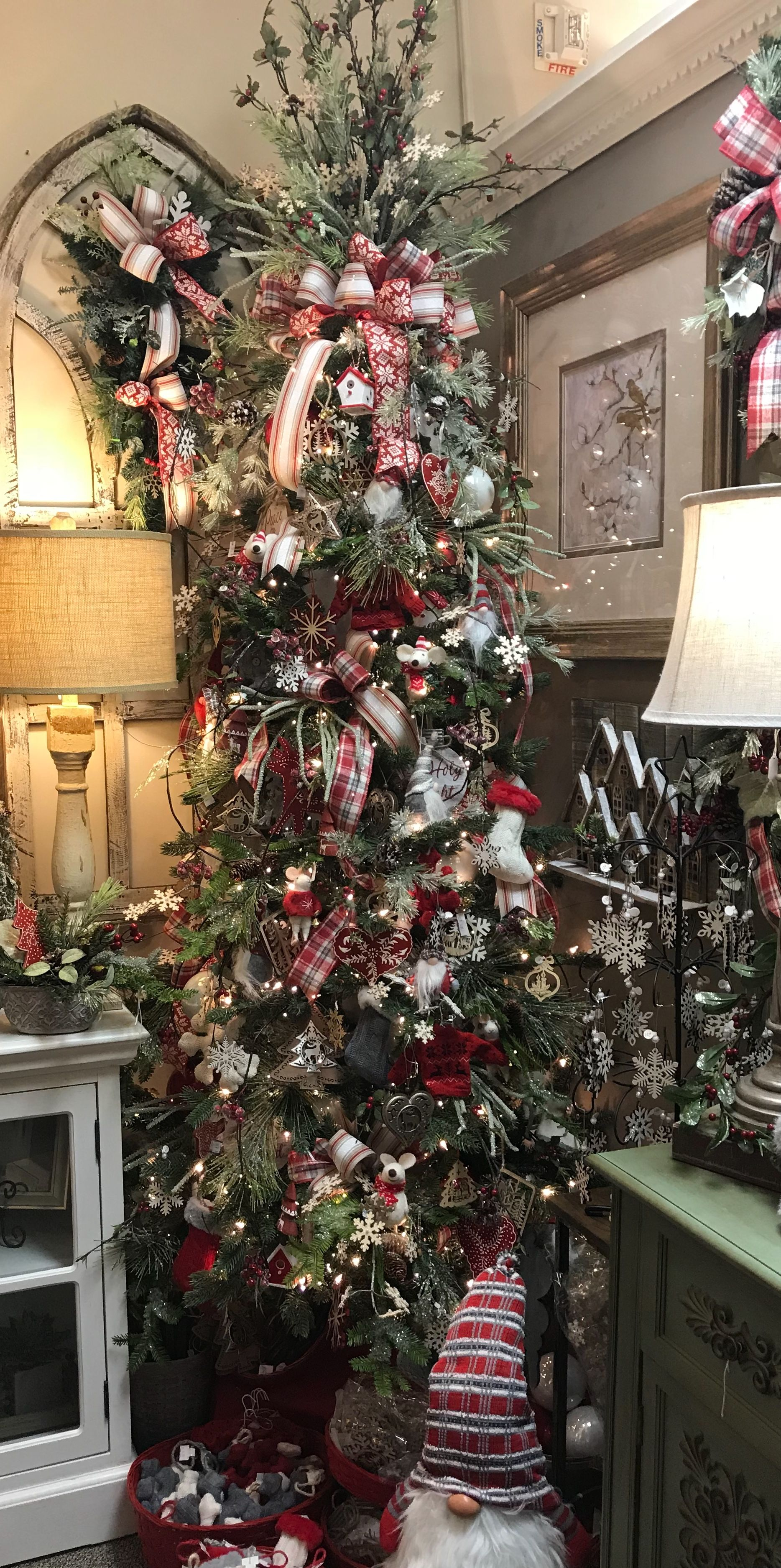 Pin By Oceanic House On Christmas Trees Holiday Tree Country Christmas Holiday Decor