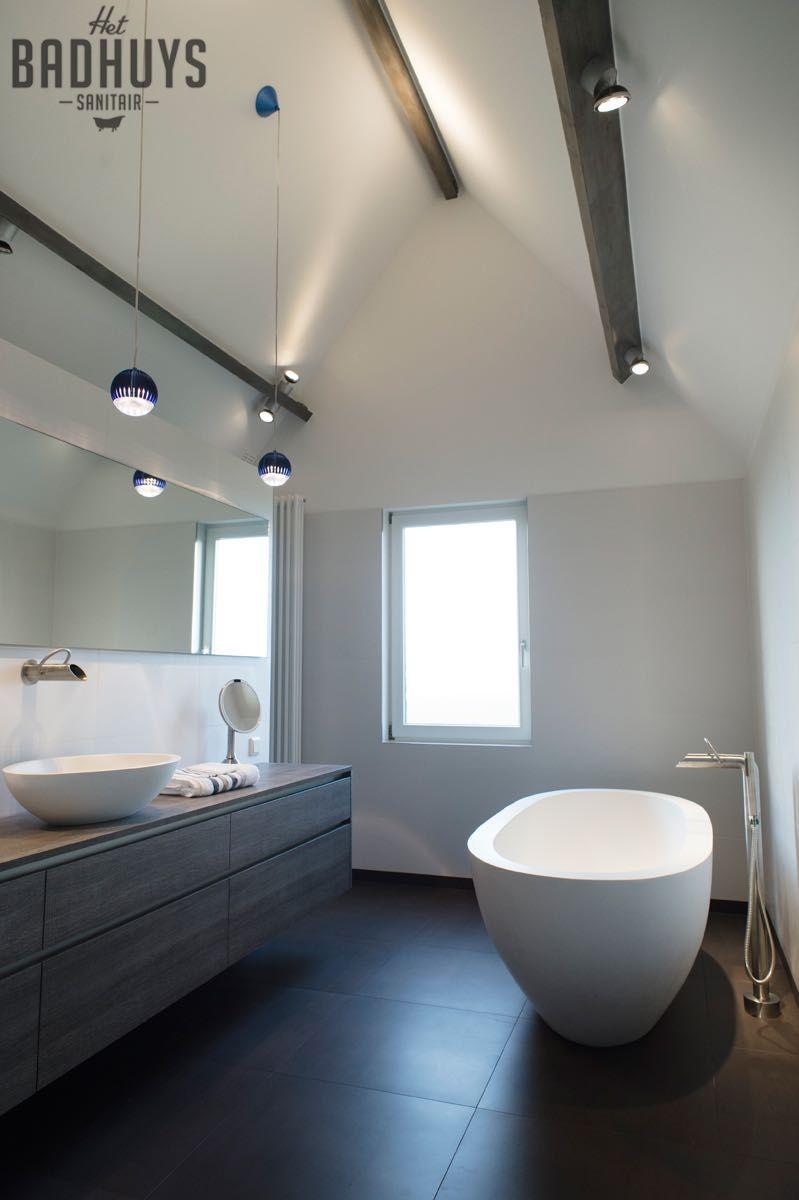 Luxe Badkamer Met Maatwerk Meubel En Corian Bad Het Badhuys Het