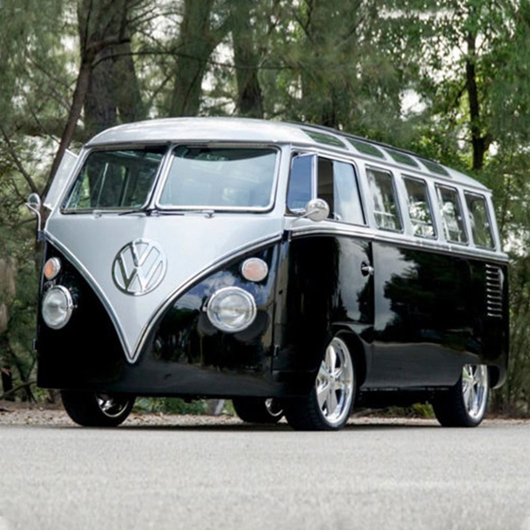An exceptional match for adventurous souls! This 1962 Volkswagen Custom 23-Windo…