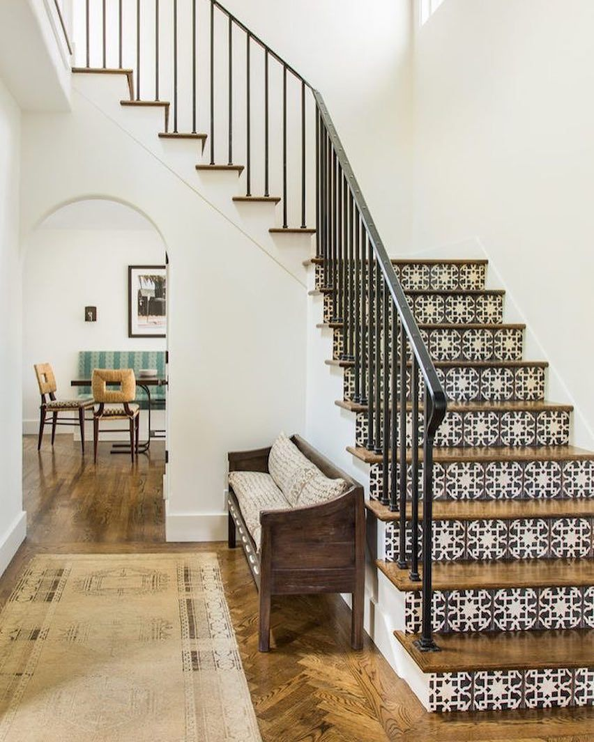 Sharing this amazing Spanish Modern home today on the blog -- more ...