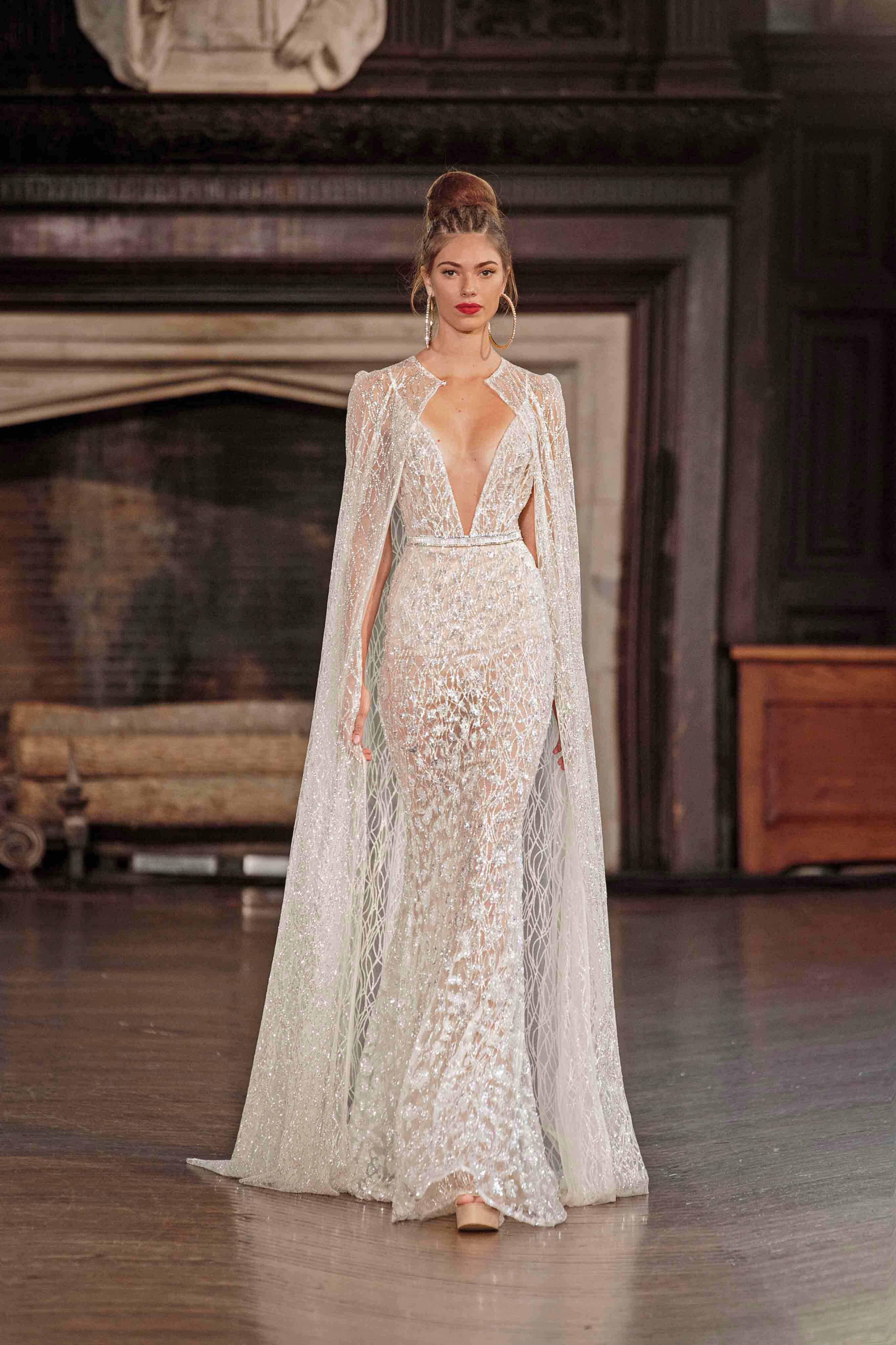 fcaa9fa4 BERTA FW 2017 Runway Show | Berta Wedding Dresses, Fashion, Bride Dresses,  Moda