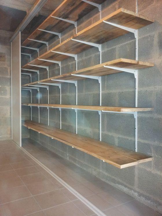 Realisez Un Rangement Simple Dans Votre Garage Reussir Ses Travaux Rangement Mural Revetement De Plancher Garage Design Garage
