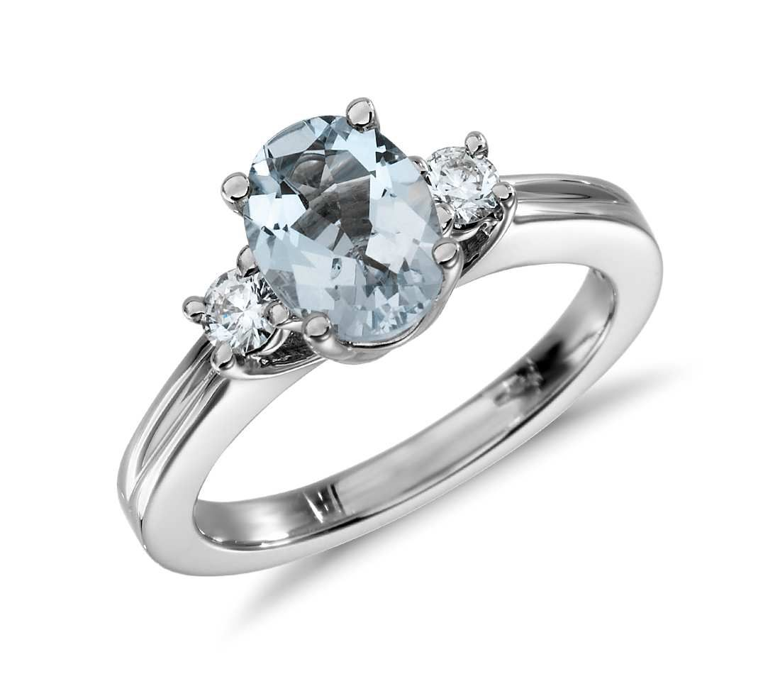 Aquamarine And Diamond Ring In 18k White Gold 8x6mm In