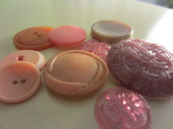 Vintage Buttons  lot of 11 Shades of pink novelty by pillowtalkswf, $6.00