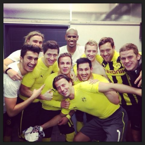 Nuri posted a great shot with his teammates at Borussia Dortmund who also secured their place in the quarter finals.