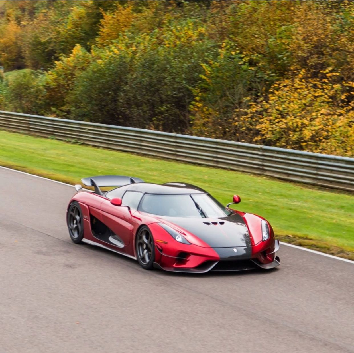 Pin by Kegan Goertz on Koenigsegg (With images) Sports