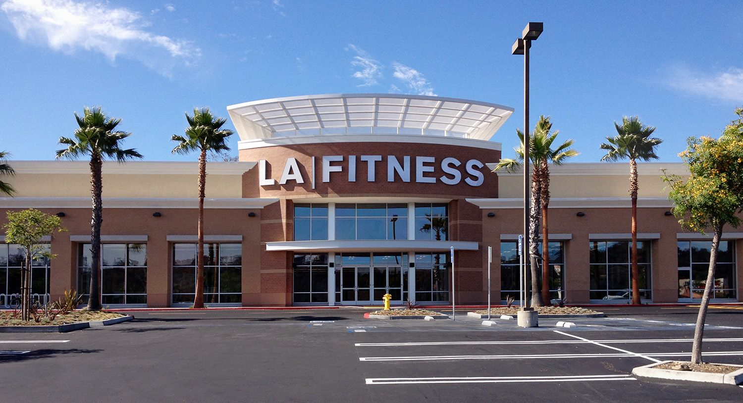 La fitness is located at 2335 vista way oceanside ca