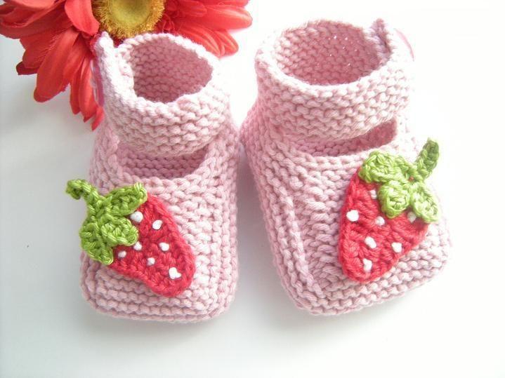 Wunderschöne Babyschuhe gestrickt mit 60 % Baumwolle 40% Acryl  Quallitätswolle !!!    Für Babys von 0-12 Monaten !!!!    Ohne Naht gestrickt!    B...