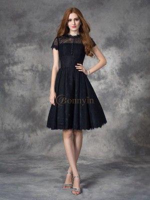 Pin Von Bonnyin Auf Kleider In Schweiz Spitzenkleid Kurz Kleid Spitze Kleider