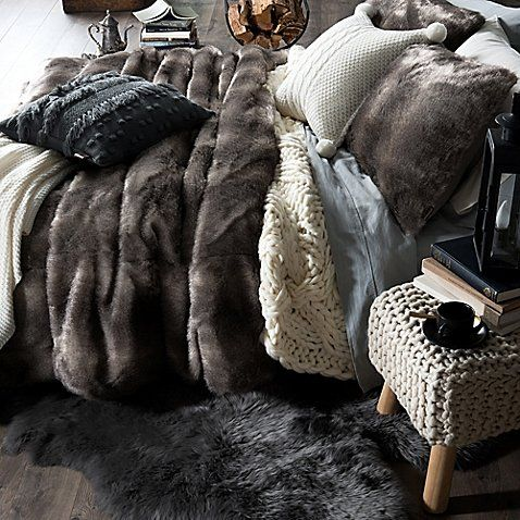 Cuddle Up And Keep Warm With The Ugg Polar Faux Fur Comforter Set For A Restful Night 39 S Sleep Featuring A Plush Comforter Sets Bed Linens Luxury Cozy Bed