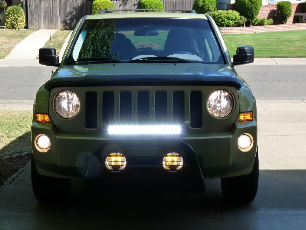 jeep patriot led light bar google 39 da ara jeep patriot. Black Bedroom Furniture Sets. Home Design Ideas