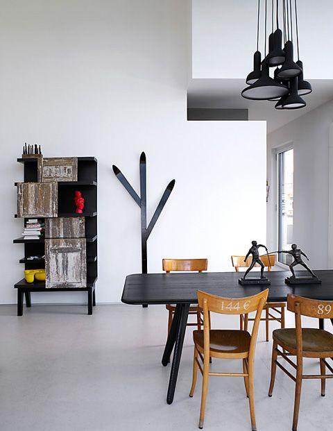 verschiedene Lampenschirme in der gleichen Farbe lackieren - Wohnzimmer Design Wandfarbe Grau