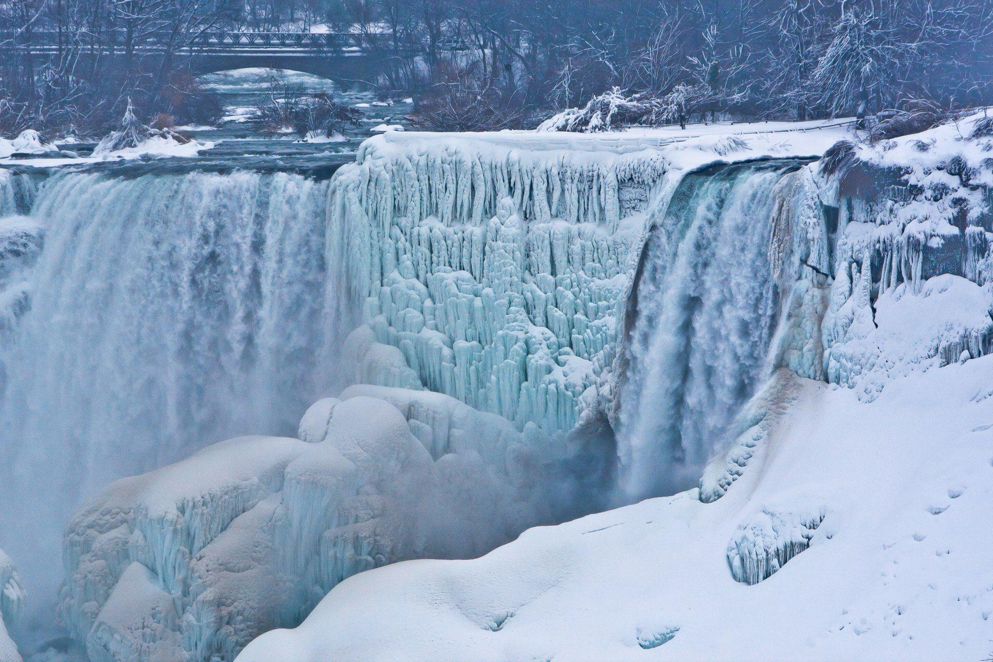 Frozen Falls Awesome Frozen Niagara Falls Wallpaper