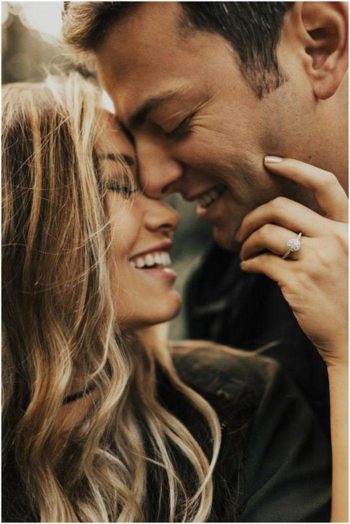 Les signes qui montrent qu'une femme est amoureuse