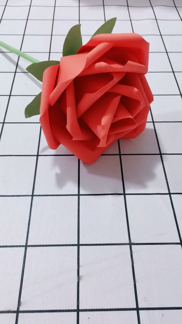 11 Diy Paper Flower Tutorials And Templates You Can Make At Home Video In 2020 Paper Flower Tutorial Paper Flowers Paper Crafts