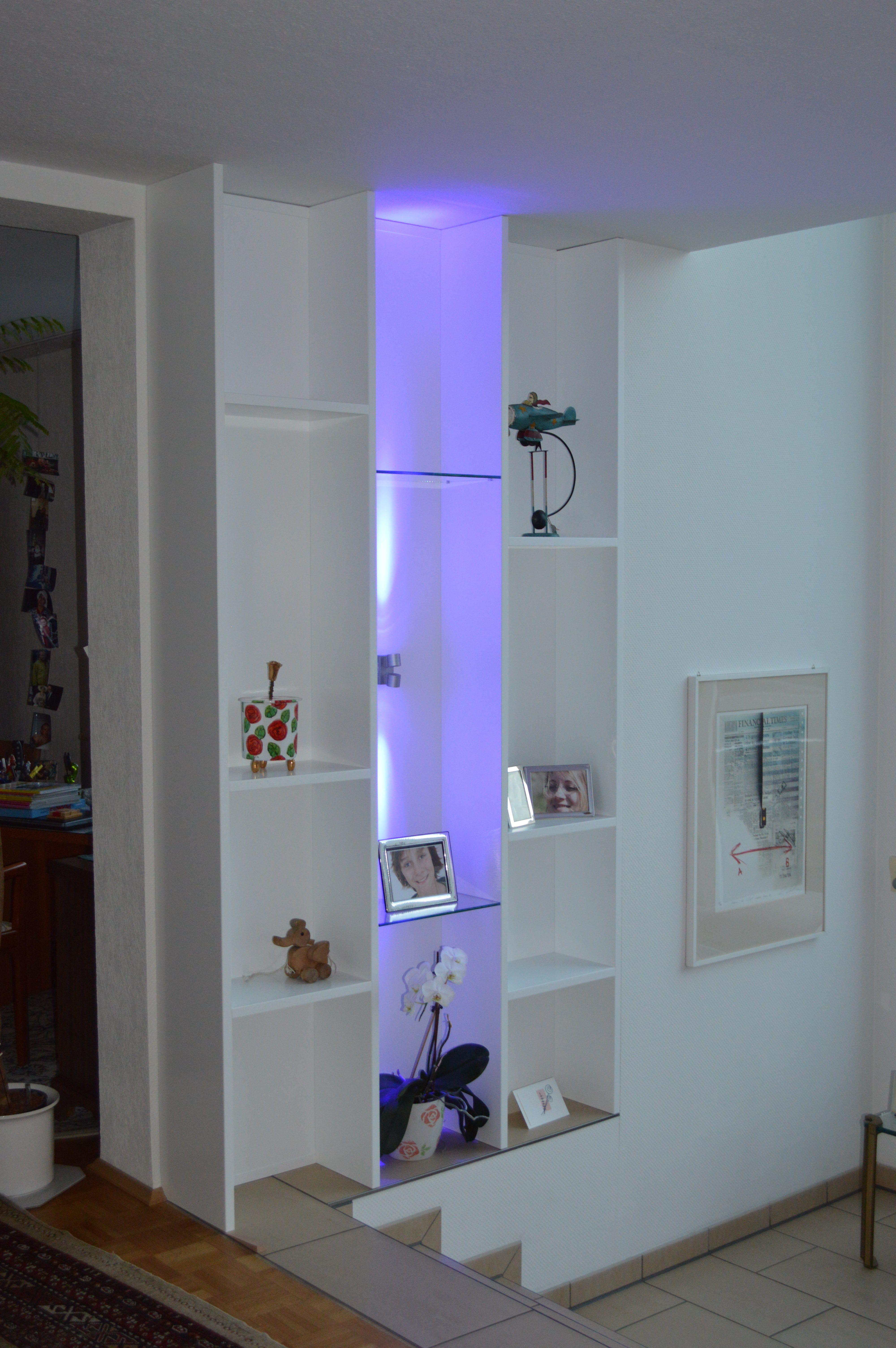 Wohnzimmer Regal Mit Violetter Beleuchtung Regal Pinterest
