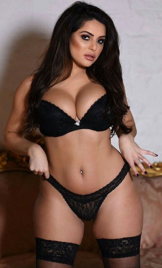 full figured girls Lingerie