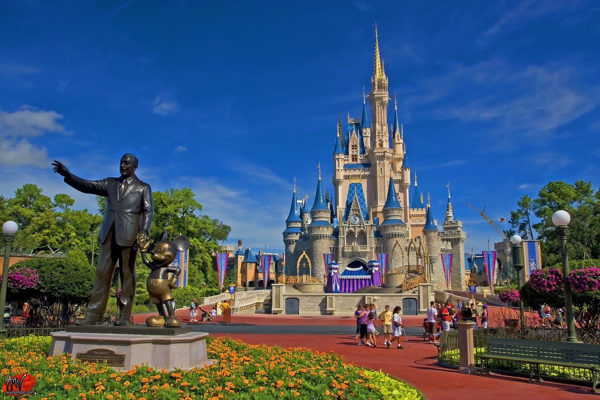 Disney World Wallpapers Top Free Disney World Backgrounds Wallpaperaccess In 2020 Disney World Christmas Disney World Florida Disney World Pictures