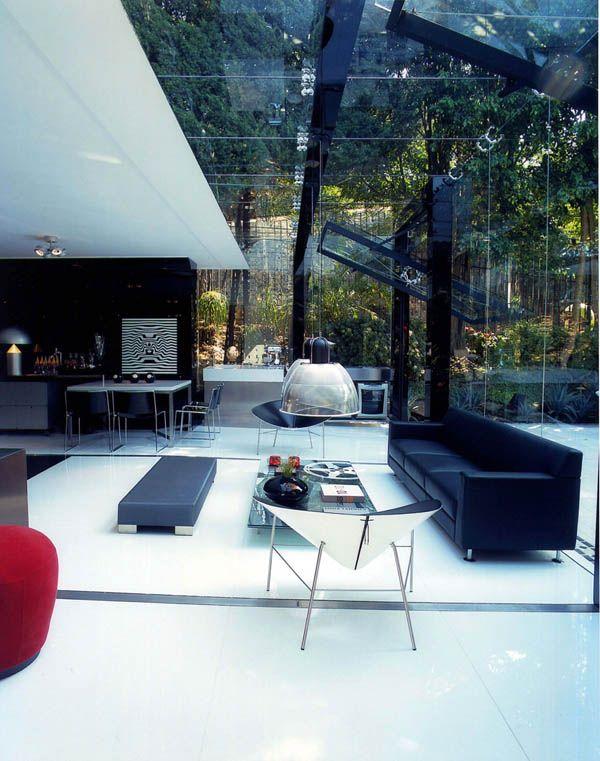 Wir Präsentieren Ihnen Eine Moderne Fertig Garage , Die Als Zusatz Zu Einem  Luxuriösen Haus Gebaut Wurde. Der Hausbesitzer, Ein Fan Von Maserati,  Brauchte