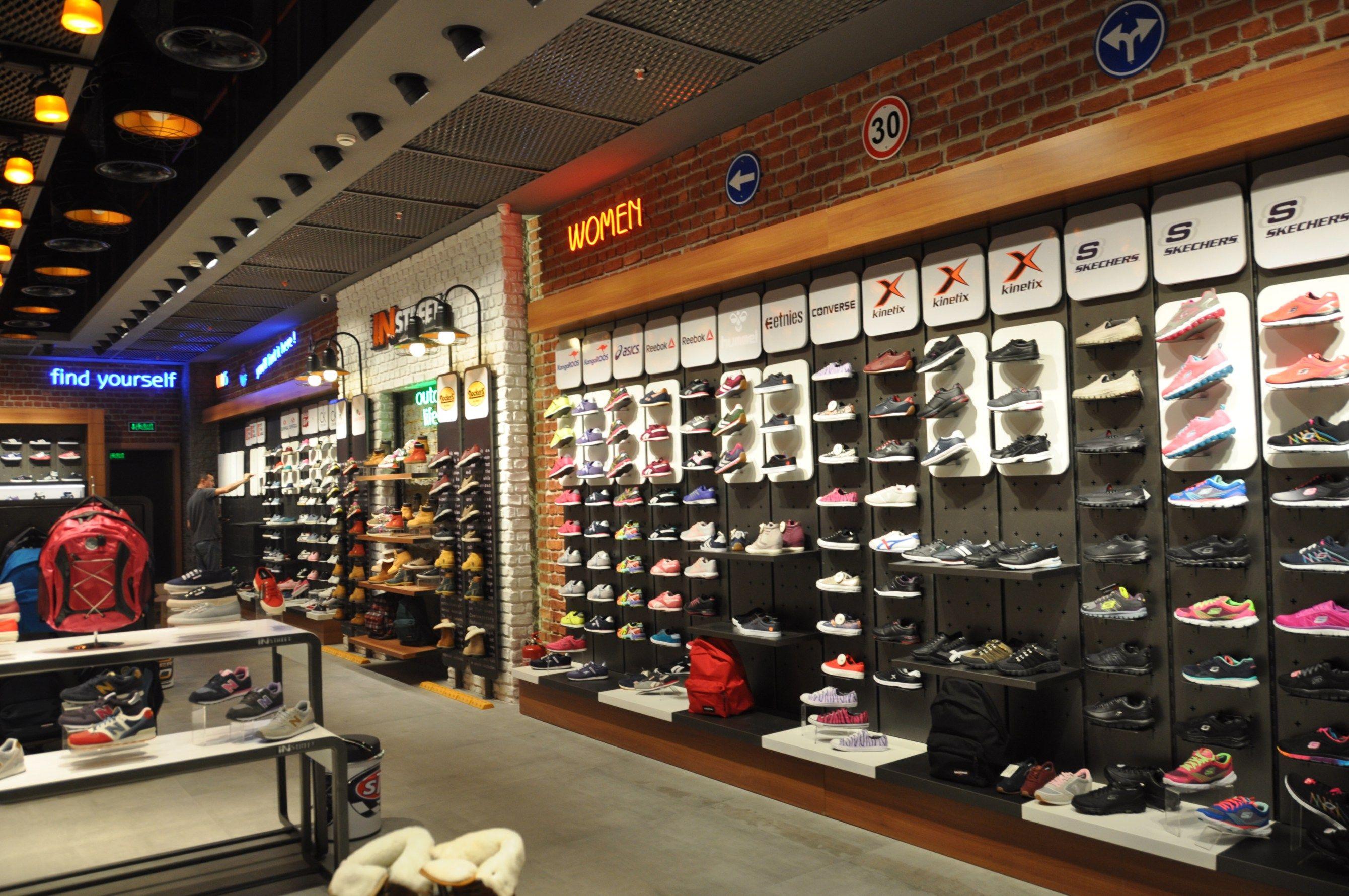 Sport In Street Ozdilek Ayhan Guneri A50 Shop Design Retail Design Fashion Store