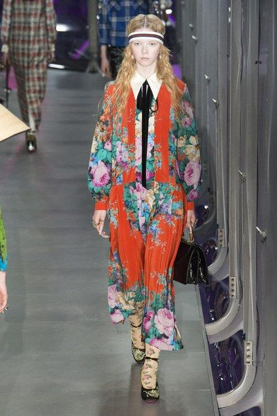 View the complete Fall 2017 ready-to-wear collection from Gucci.