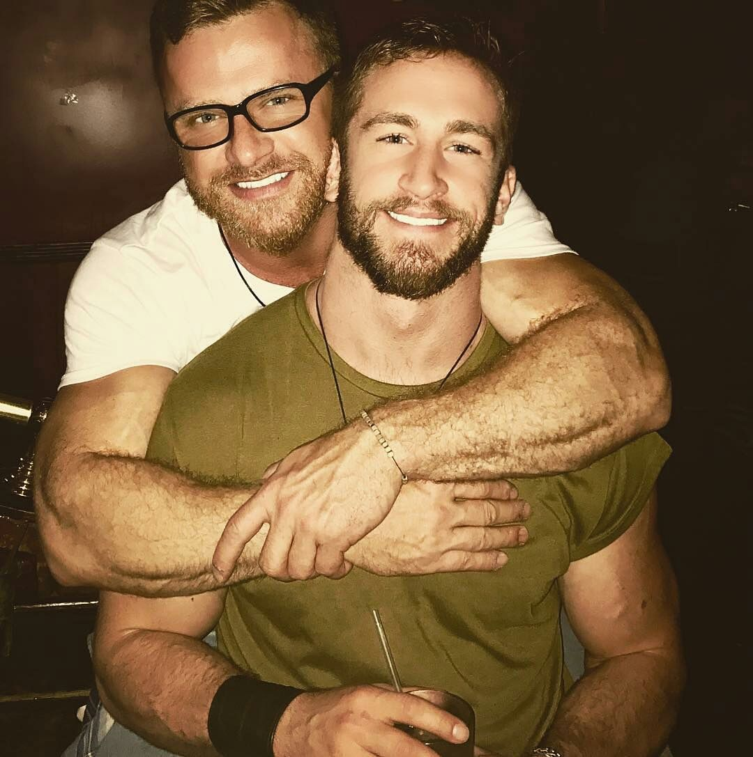 mature bisexual man in love with hairy mature men (bears), bearded