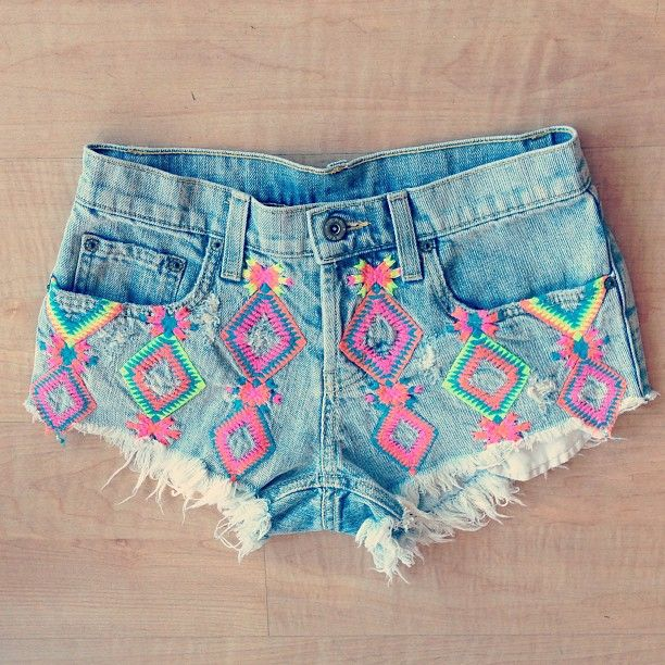 Neon accents coming through on these cute denim shorts #Coachella ...