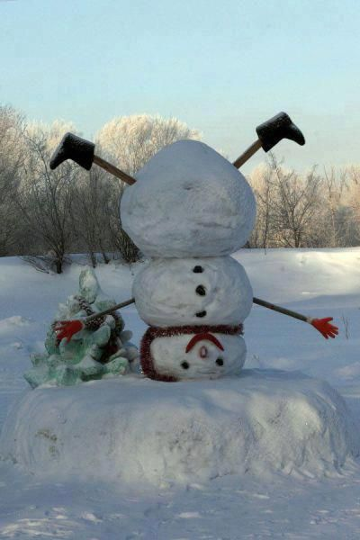 Predictable Snowman For Christmas Time Not On My Front Lawn Ill - 15 hilariously creative snowmen that will take winter to the next level 7 made my day