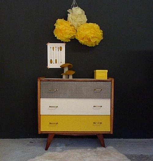 commode vintage en bois massif et placage relook e dans un esprit graphique et color on aime. Black Bedroom Furniture Sets. Home Design Ideas