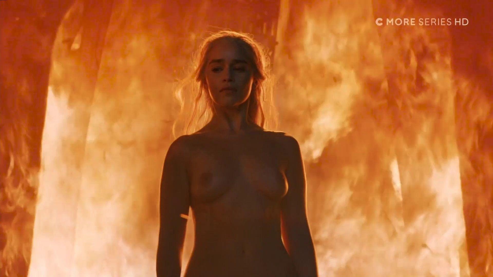 Emilia clarke nude scene game thrones series new picture