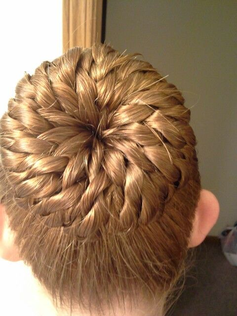 Swell My Mom Did My Hair There Is A Tutorial On It On Youtube By Hairstyles For Women Draintrainus