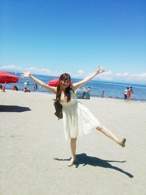 声優・佳村はるかさんが海に行った画像を公開