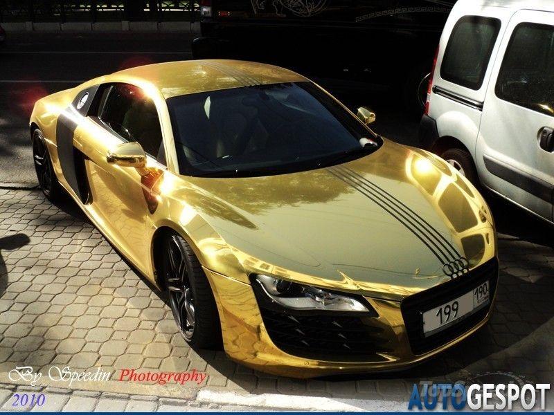 Gold Wrapped Audi R8 800×600 Pixels