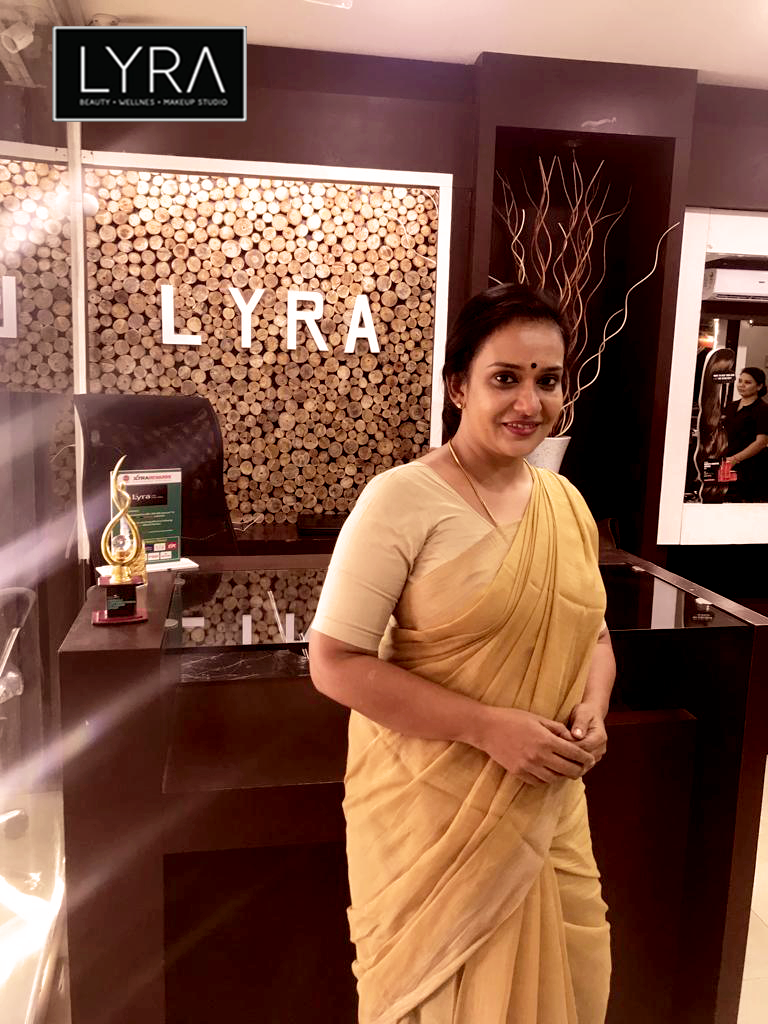At That Moment We Never Gone Mesmerize Parvathi Chechi Cine Actress Lyra Bestwedingmakeup Bride Kerala Best Bridal Makeup Bridal Makeup Bridal Makeover