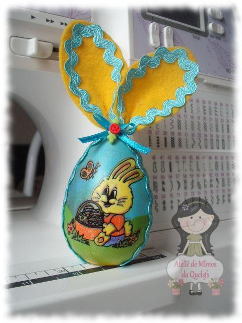 Ovo plástico decorado com feltro http://ateliedemimosdaquelsfs.blogspot.com.br