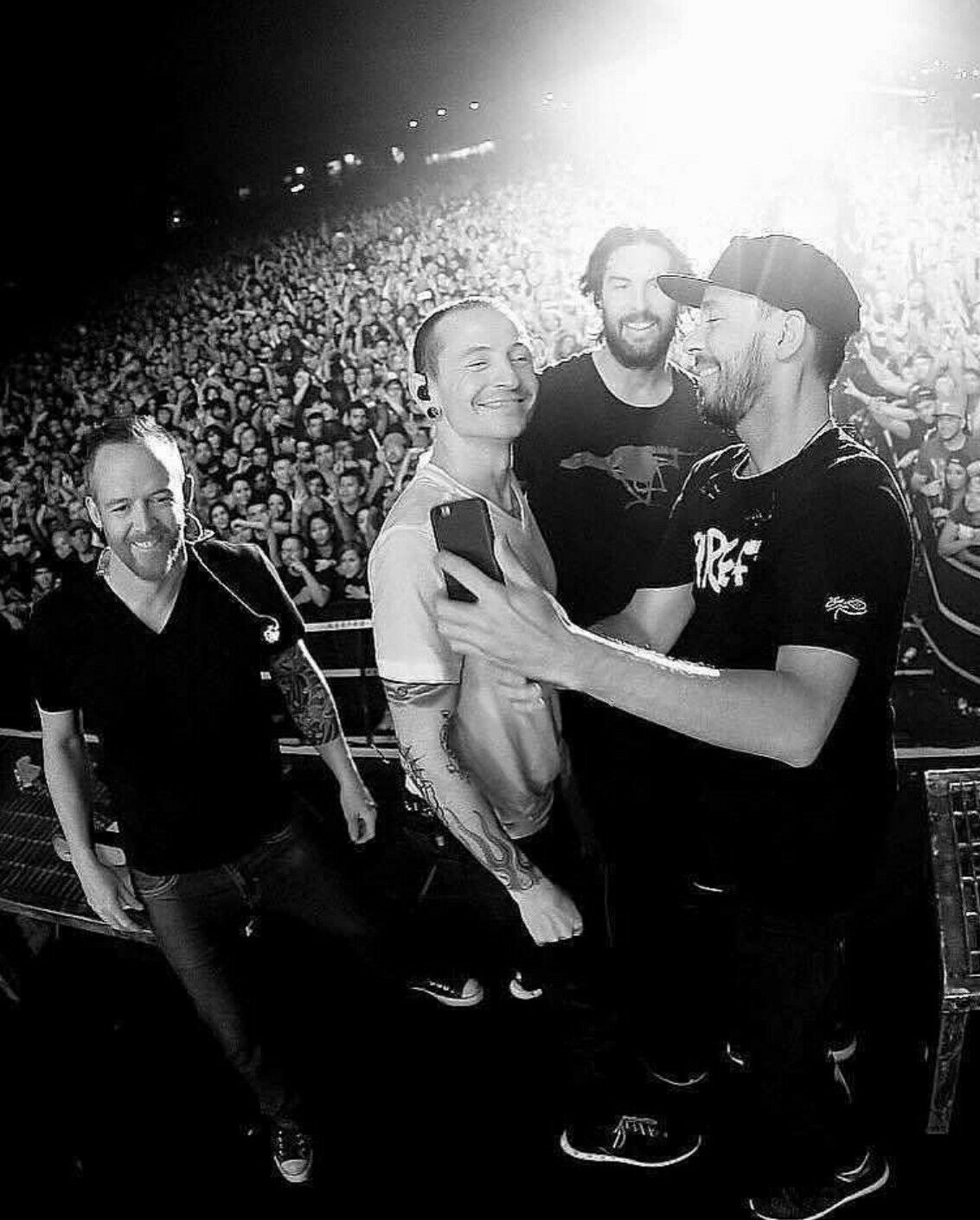Chester Mike Dave And Rob Mike Shinoda Chester Bennington