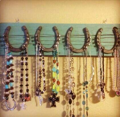 Horseshoe jewelry hangers...sweet!