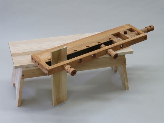 Simple Japanese workbench.