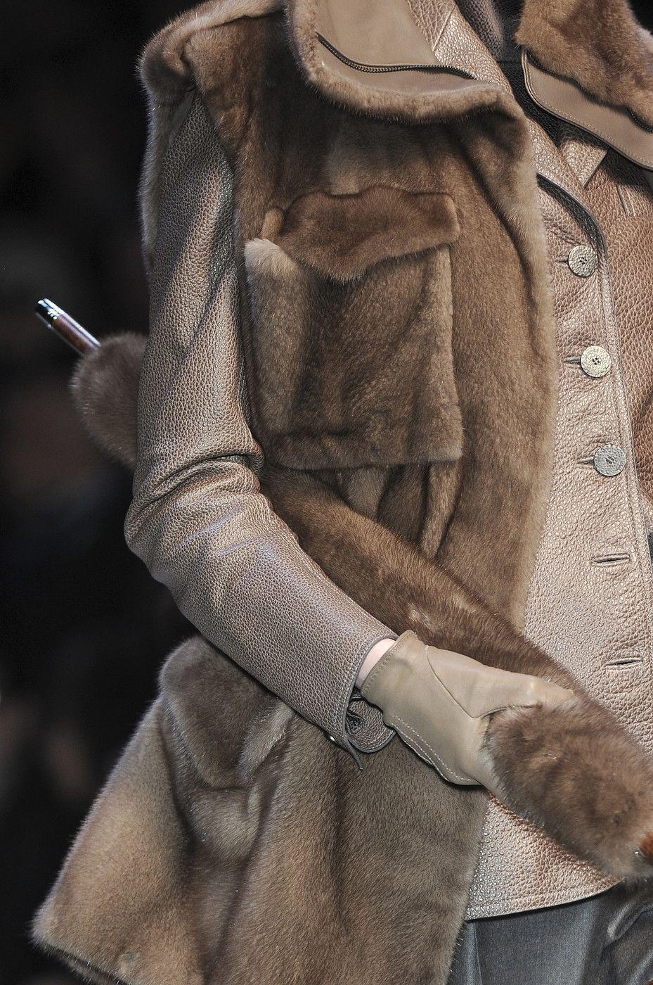 Chanel Resort - Chanel Resort    Chanel Resort   - #ArmaniPrive #Balmain #Chanel #ChanelResort #ChanelSpring #CoutureCollection #DubaiFashion #EmilioPucci #FashionShow #FashionWeeks #GiambattistaValli #JeanPaulGaultier #JulienMacdonald #ReadyToWear #Resort #RobertoCavalli #Runway #RunwayFashion #SpringCouture #Valentino #Versace #Vogue #ZacPosen