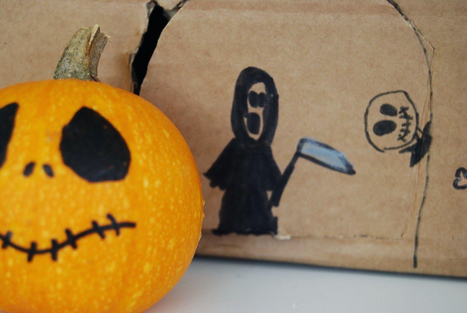 Haunted house made from a box, good idea for kids in Halloween. Casa encantada con una caja de carton, DIY para niños en Halloween.