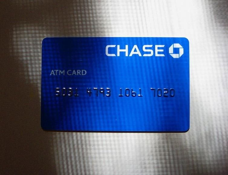 Stay Away From Chase Bank Chase Bank Is Lowering Credit Card Limits To 100 Over Current Balances To Force Over Limit Status And Collect Fees Credit Card Limit Chase Bank Business
