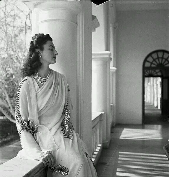 صاحبة السمو الإمبراطوري الأميرة در الشهوار بالإنجليزية Durru Shehvar الأميرة خديجة خيرية عائشة در الشهوار ب Indian Princess Royal Indian Cecil Beaton