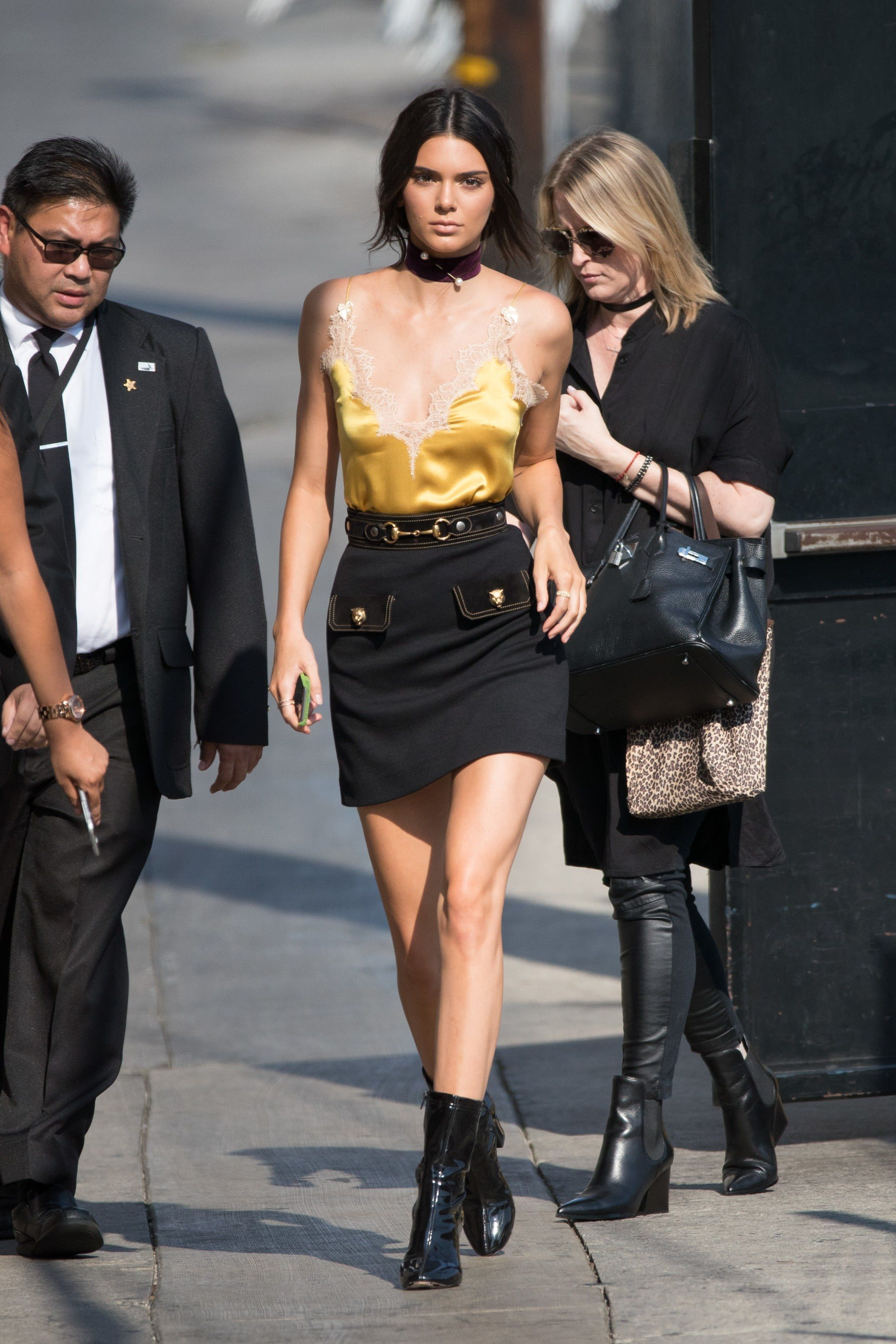 53a0d1bd40 Kendall Jenner Just Wore the Most Kendall Jenner Look Ever in 2019 ...