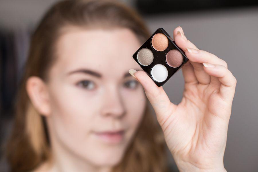 Make-up challenge: golden // ANNIEVELIINA