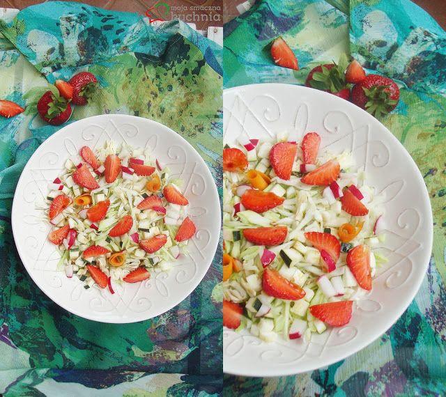Moja smaczna kuchnia: Surówka z młodej kapusty z truskawkami