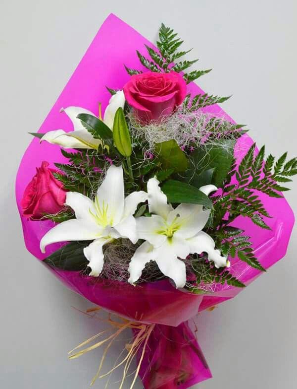 Ramos De Flores Para Regalar Arreglos Florales Creativos Arreglos Florales Sencillos Bellos Arreglos Florales